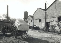 Imagen exterior de la fábrica hacia 1980