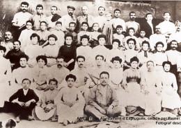Imagen grupo de trabajadores/as de la fábrica
